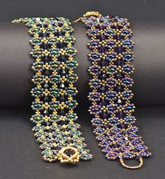 Playing with Twin Beads