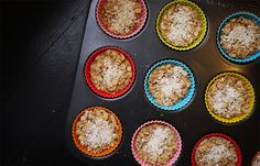 DIY Baked Oatmeal Bites recipe: A healthy, make-ahead breakfast recipe for busy weekday mornings.  Make a batch, then store in the freezer