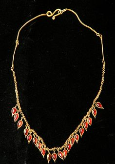 Greece. Hellenistic Gold and Garnet Necklace. Circa late 3rd - early 2nd Centuries B.C.