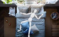 Choose bedroom based on your sleeping position - IKEA Cozy Bedroom, Home Decor Bedroom, Bedroom Furniture, Bedroom Ideas, Bedroom Styles, Bedroom Colors, Position Pour Dormir, Bedroom Minimalist, Double Quilt