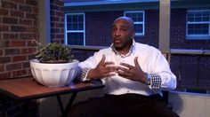 A Man's Perspective on Dating, Marriage and Relationships with Dr. D Ivan Young America's leading Couples Therapy and Relationship Expert Dr. D Ivan Young discusses how real men see women. Ladies, this will help you to get a good look at the psychology of Men and Relationships. Seldom do men, and women, know how a mature, intelligent, successful man sees, or even should think about, relationships. If you're lost, tired of going in and out of relationships with the wrong type of woman.