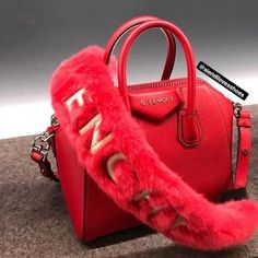 Read Airport Outfit:LA to Hong Kong from the story Stormie Cute Handbags, Chanel Handbags, Burberry Handbags, Fashion Handbags, Purses And Handbags, Fashion Bags, Cheap Handbags, Chanel Bags, Givenchy Bags