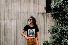 Attractiveness is not all about how you look and this post shares 8 unique habits of woman who always stay attractive simply by how they conduct themselves! Coats For Women, Jackets For Women, Clothes For Women, Black Jeans Women, Tree Woman, Successful Women, Woman Standing, Classy Women