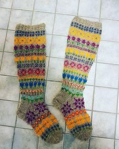 Kipan kutimet kukkikset Socks, Fashion, Moda, Fashion Styles, Sock, Stockings, Fashion Illustrations, Ankle Socks, Hosiery