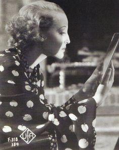 Filmszene, Brigitte Helm, Gold 1934.