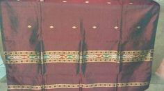 kain semi sutera.  cocok untuk dipakai saat martupol