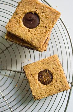 Les Friands d'Lise . . .: Biscuits au piment d'Espelette, beurre brun et chocolat noir