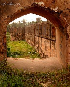 caption : fort in frame...Hajiganj in Narayanganj, Bangladesh. | Flickr - Photo Sharing!