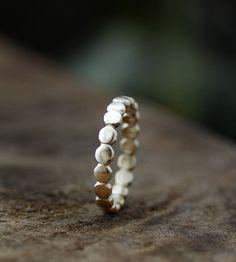 Pebble Ring Band – 14K Gold
