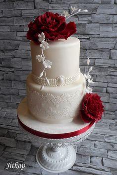Svatební s rudými pivoňkami a krajkou, Inšpirácie na originálne torty svadobné