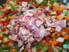 Receta de Pollo relleno de verduras para Navidad - Paso 2 Salsa, Cooking, Ethnic Recipes, Food, Ideas, Chicken Cordon Bleu, Stuffed Chicken Recipes, Sauteed Vegetables, Cooker