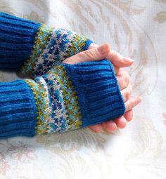 Fair Isle Fingerless Gloves Mittens Teal Blue Beige Green