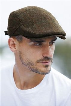Are you aware of the different kinds of flat caps for men  Flat caps  complement a man s wardrobe in an amazing manner 9a6f40fa67d