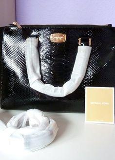 c08909535d010 Kaufe meinen Artikel bei  Kleiderkreisel http   www.kleiderkreisel .de damentaschen-and-rucksacke handtaschen 163009663-michael-kors-camille- creme-e…