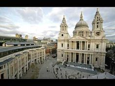 St Paul's Cathedral is a Church of England Cathedral, it sits at the top of Ludgate Hill which is the highest point in the City of London. City Of London, Christopher Wren, Cool Places To Visit, Places To Go, London Attractions, London Landmarks, Westminster Abbey, Place Of Worship, London England