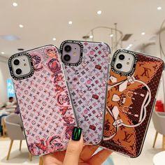 新品ルイヴィトン iphone 11Pro Max/11Proケースはかわいくて、小さいモノグラム柄が背面に綴んでいます。ネズミとか、バッグの柄とか、オリジナルなデザインを採用され、オシャレな携帯ケースは間違いです。 Smartphone, Iphone Cases, Iphone Case, I Phone Cases