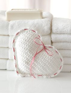 Crochet Heart Sachet free pattern.