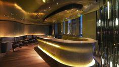 Mandarin Oriental, Paris: Sip champagne alongside fashionistas at Bar 8.