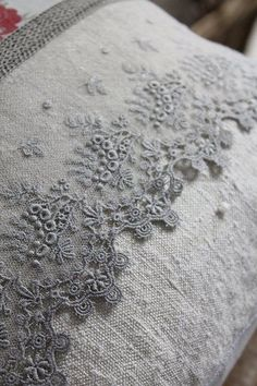 Embroidery pillow vintage linen ideas 49 ideas for 2019 Antique Lace, Vintage Lace, French Vintage, French Grey, Linen Fabric, Linen Bedding, Bed Linens, Bedding Sets, French Fabric