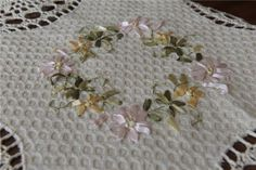 RIBBON-EMBROIDERY-SPRING-WREATH-CROCHET-LACE-TABLECLOTH-TABLE-TOPPER-TEA-CLOTH