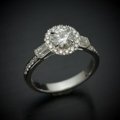 Engagement ring in 14kt white gold with Micro by OscargamaJewelry