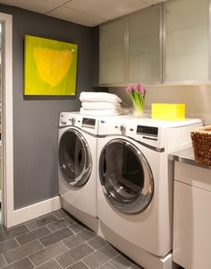 Get inspired by Traditional Laundry Room Design photo by Interieurs. Wayfair lets you find the designer products in the photo and get ideas from thousands of other Traditional Laundry Room Design photos. Yellow Laundry Rooms, Laundry Room Colors, Modern Laundry Rooms, Laundry Room Design, Laundry Room Cabinets, Grey Cabinets, Upper Cabinets, Benjamin Moore Bathroom, Laundry Room Inspiration