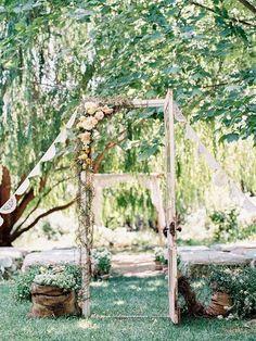 Gorgeous 50+ Best Summer Outdoor Wedding Ideas https://weddmagz.com/50-best-summer-outdoor-wedding-ideas/