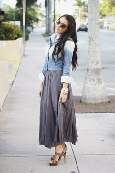 Flowy gray maxi skirt with ombre denim.