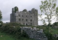 The looming remains of Leamaneh Castle are almost as chilling as its terrifying past. In the 17th Century, Máire ní Mahon or more commonly known as Red Mary due to her flaming red hair, became one of the most infamous women in Irish folklore when she murdered her third husband by pushing him out a third-storey window.