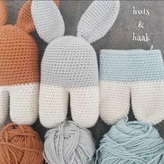 Rammelkonijntjes haken! #haken #crochet #hakeniship #hakeniscool #crochetaddict #crochetlover #häkeln #hekle #hækle #crochetofinstagram #virka #diy #instacrochet #lanukas by huisenhaak