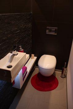 Wnętrza, WC ubikacja 2 metry 2012 - Pierwsze wyremontowane pomieszczenie, misa wisząca zestaw KOŁO, umywalka, bateria TRES, ściana kamień naturalny, podłoga gres slim,...