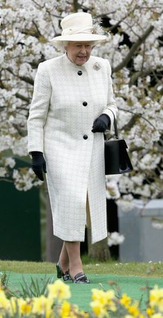 zimbio: Queen Elizabeth II attends the Windsor Greys Statue unveiling on March 31, 2014 in Windsor, England. The statue marks 60 years of The Queen's Coronation in 2013 and the important role played by Windsor Greys in the ceremonial life of the Royal Family and the Nation. 3/31/2014
