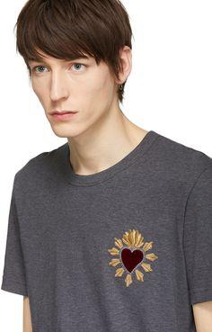https://www.ssense.com/en-cn/men/product/dolce-and-gabbana/grey-sacre-coeur-patch-t-shirt/2621458
