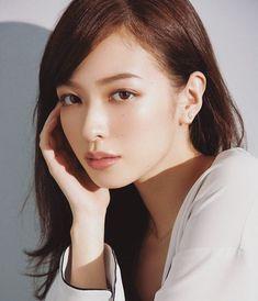 WEBSTA @ erika_mori_88104 - #森絵梨佳#美人#可愛い#綺麗#美しい#素敵#ベージュ#リップ#大人#メイク#透明感#おしゃれ#ファッション#雰囲気#コスメ#モデル#voce#雑誌#Japanese#model#beautiful#woman#kawaii#cute#lovely#pretty#beauty#makeup#cosume#vocemagazine