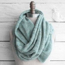 Knit Circle Scarf Pattern Free : 1000+ images about knit one, purl two on Pinterest Knitting, Free Knitting ...