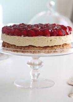 Her er noen Pins vi tror du vil like Sweet Recipes, Cake Recipes, Dessert Recipes, Norwegian Food, Berry Cake, Sweets Cake, Just Cakes, Let Them Eat Cake, No Bake Cake