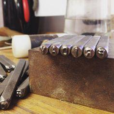 "14 Likes, 1 Comments - S U S I C A L A ® (@susicala_jewelrydesign) on Instagram: ""F R I D A Y ! ! ☝🏻️✏️💍😃❤️🔛📒🔨 #joyasdeautor #jewellery #workinprogress #friday #felizcomounaperdiz…"""