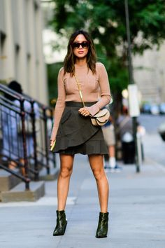 """A Semana de Moda de Nova York deu início ao """"mês fashion"""". Como sei que a maioria das pessoas adoram ver os looks de street style, reuni os meus preferidos."""