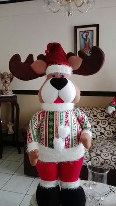 Reno navideño Reindeer, Snowman, Sewing Projects, Projects To Try, Western Decor, Felt Ornaments, Christmas Fun, Gingerbread, Diy Crafts