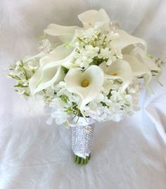 White Calla lily lilacs and hydrangea wedding bouquet all white bridal Hydrangea Bouquet Wedding, Calla Lily Wedding, Calla Lily Bouquet, Summer Wedding Bouquets, Calla Lillies, White Wedding Flowers, White Bridal, Hand Bouquet, Bridal Bouquets