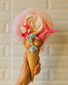 "54 Likes, 1 Comments - SkarlettsCafe (@skarletts_cafe) on Instagram: ""Strawberry candy kiss freakshake! One of today's freakshake options. Get down, we are open till 5…"""