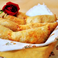 Chipotle Chicken Empanadas~ They are like little pockets of happiness! The crust is crisp and flaky and the filling stays just moist. The cheese had melted nicely and blended into the chicken, rounding off the spice from the chipotle peppers.