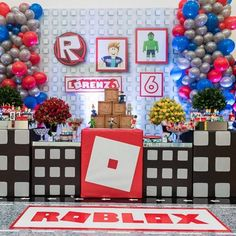 Roblox fans need this at her party. 6th Birthday Parties, Birthday Bash, Birthday Party Decorations, Birthday Ideas, Roblox Birthday Cake, Roblox Cake, First Birthdays, Party Time, Instagram