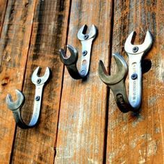 DIY - Wrench Wall Hooks - perfect for the man cave! men's diy OMG want so badly in my room Man Cave Garage, Car Man Cave, Man Cave Stuff, Man Cave Loft, Man Cave Barn, Man Cave Shed, Rustic Man Cave, Man Cave Diy, Man Cave Basement