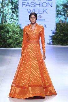 Rahul Mishra at Lakmé Fashion Week Winter/Festive 2017 l Vogue India Lakme Fashion Week, India Fashion, Indian Designer Outfits, Designer Dresses, Frock Models, Short Frocks, Mehendi Outfits, Simple Kurti Designs, Look Short