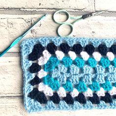 Afghan Crochet Patterns, Crochet Squares, Crochet Granny, Crochet Stitches, Free Crochet, Beginner Crochet Projects, Crochet For Beginners, Granny Square Pattern Free, Granny Square Projects