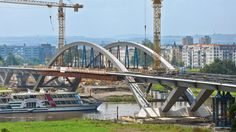 Waldschlösschenbrücke connects the eastern and southern districts of the city with areas in the north of Dresden
