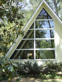 A mid-century modern A-frame in Atlanta via Northcrest Modern