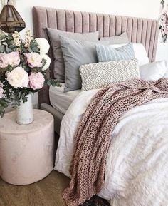 Advanced teenage bedroom decor ideas diy that will impress you Blue Teen Girl Bedroom, Teen Girl Bedrooms, Gray Bedroom, Home Decor Bedroom, Bedroom Ideas, Bedroom Inspo Grey, Bedroom Designs, Girls Bedroom Organization, Organization Ideas