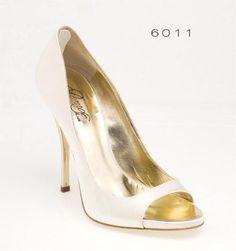 6011 Escarpin ivoire à talon Wedding Shoes, Peeps, Peep Toe, Fashion, Pumps, Heels, Bhs Wedding Shoes, Moda, Wedding Boots
